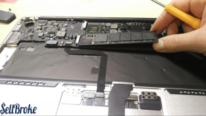 Apple Macbook Air Disassembly Guide 12
