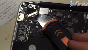 Apple Macbook Air Disassembly Guide 10