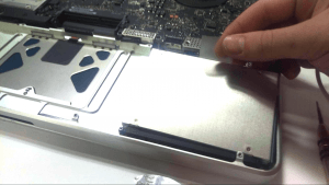 MacBook Pro A1297 Disassembly Guide Step 9