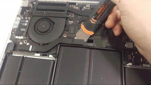MacBook Pro A1502 Laptop Disassembly Instructions step 10