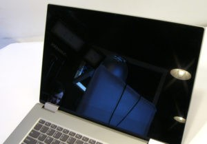 Lenovo Yoga 720 Laptop Display