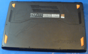 Asus GL502VMK Bottom